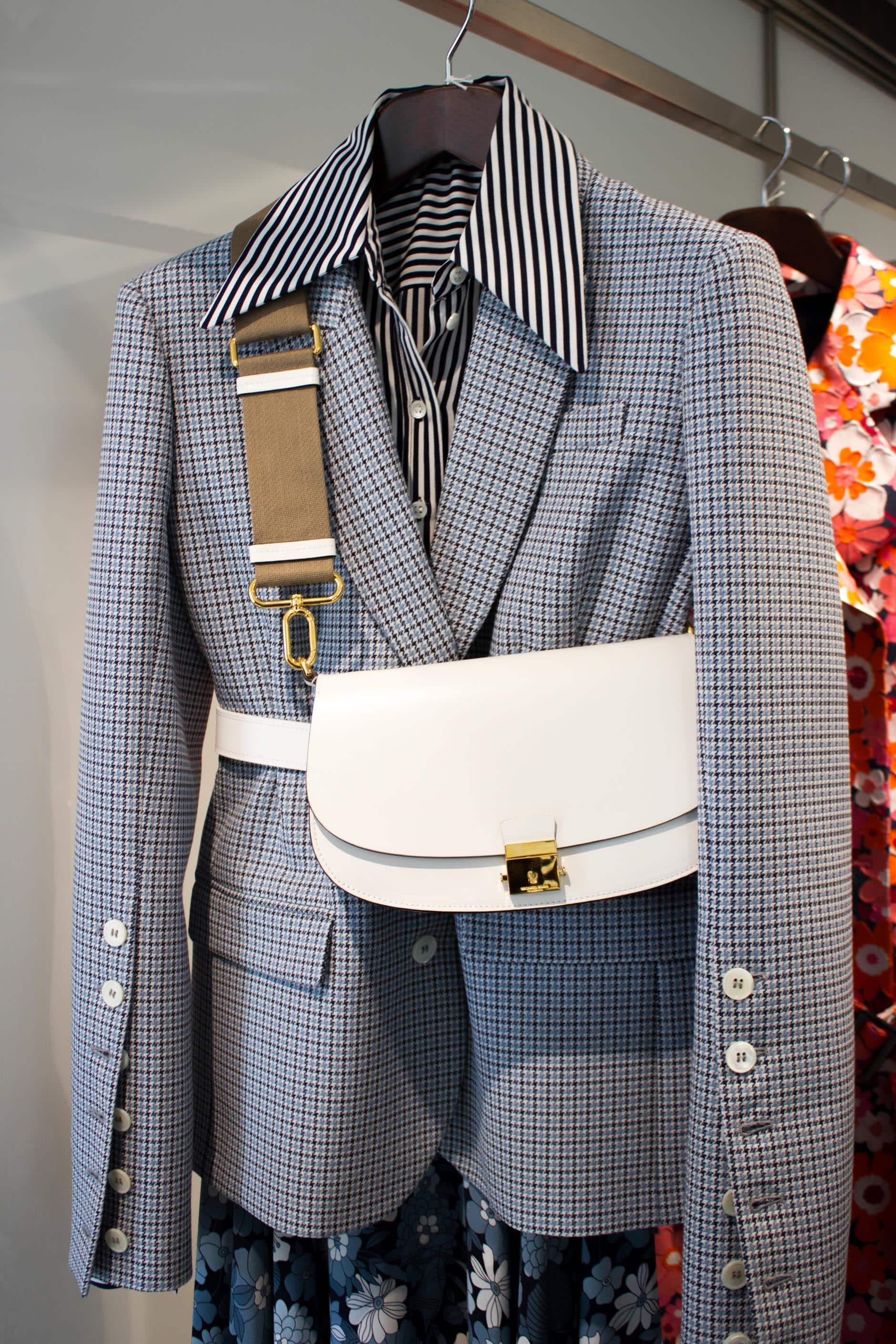 Structured suit