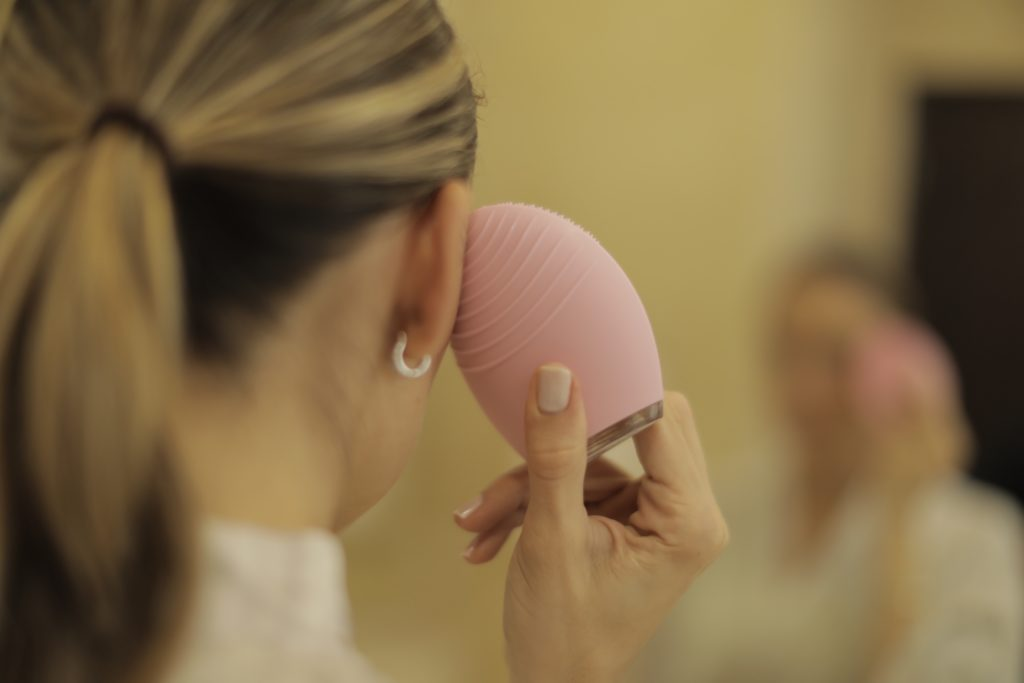 Using the massage/anti aging side of my Foreo so my oils and creams penetrate better