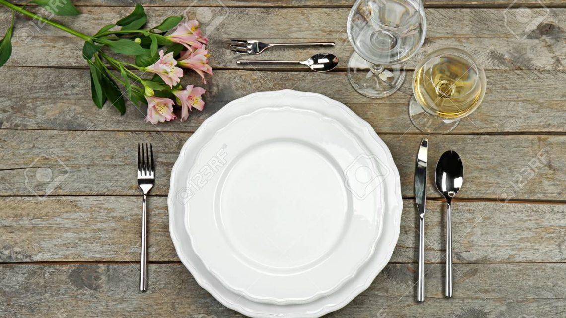 how to set up a formal table